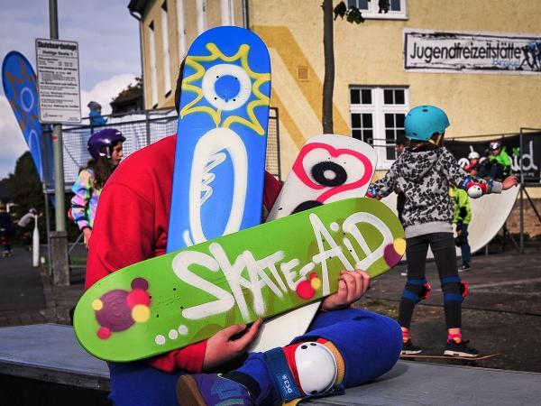 Auf dem Skateboard durch die Herbstferien