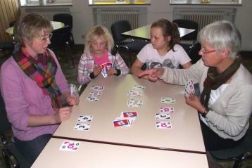 Spielenachmittag für Alt und Jung